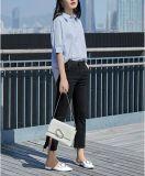 Chemise simple de dames de collet rond court bleu-clair de chemise