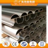 Bunte Oberfläche des Aluminiumgarderoben-Profils