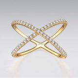 De Dwars Zilveren Ring van het gouden Plateren met Kubieke Zircon