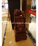 Accesorios de decoración de madera antiguas de arquitectura