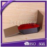 Boîte-cadeau se pliante plate de cadre rigide de carton la petite avec gravent le logo en relief