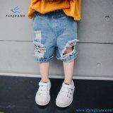 Nuovo Shorts dei jeans strappati del cotone di stirata di stile denim per i ragazzi dai jeans della mosca