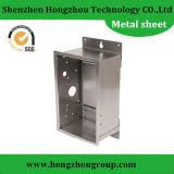 Fabricação de chapas de metal anodizado para o caso da máquina