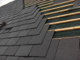 지붕 상단을%s 회색 슬레이트