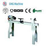 Talladora de madera de alta calidad cortando la máquina de torno
