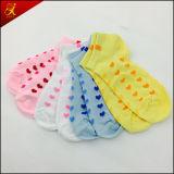Calcetines por encargo de las mujeres al por mayor de Hotsale