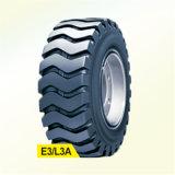 La agricultura el neumático del tractor