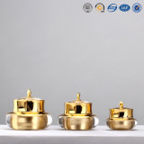 15g 30g 50gの贅沢な金の王冠の整形プラスチックアクリルの装飾的なクリーム色の瓶