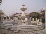 De witte Marmeren Fontein van het Water van de Tuin van de Steen met Dames en Leeuwen