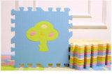 Блокируя ЕВА справляясь циновка головоломки карате для детей