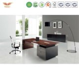 L字型現代高品質の木のテーブルの上のアルミニウムフィートの執行部の机