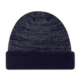 あずき色カラー冬の習慣によって編まれる帽子の帽子