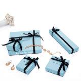 Коробка шикарного подарка ювелирных изделий бумаги цвета сини неба упаковывая