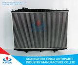 Radiador auto de aluminio para Nissan Bd22/Td27 en