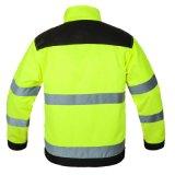 Modificar la chaqueta reflexiva uniforme de la seguridad para requisitos particulares de tráfico de las rayas con la chaqueta del invierno del acolchado