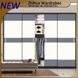 Zhihua moderne hölzerne Schlafzimmer-Garderoben-Schiebetüren