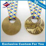둥근 도넛 모양 메달에 의하여 주문을 받아서 만들어지는 금속 메달