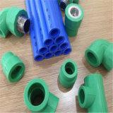 Bonne qualité de tous les types de raccords de tuyauterie de PPR vert pour l'eau