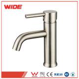 Pulido de níquel moderno grifo de la cuenca solo manejar Grifo lavabo con el precio de fábrica