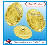 Liga de zinco logótipo Gold Fancy Garment Badge com diamantes (LZY-10000373)