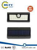 indicatore luminoso solare esterno fissato al muro del sensore di movimento 1W LED