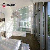 標準サイズの平らで白い壁の装飾的なアルミニウム内部のパネル
