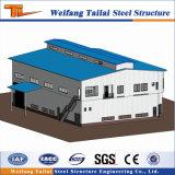 Edificio de la construcción de la estructura de acero prefabricados con haz de la grúa