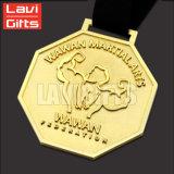 La coutume a personnalisé la médaille de sport d'or en métal de qualité de modèle dans l'utilisation de cadeaux de souvenir