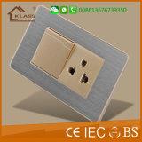 Boa qualidade de uma instalação elétrica da tomada e interruptor de parede