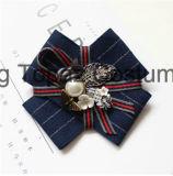 女性の衣裳の絹製ネクタイのBowknotのブローチ(CB-07)のための2018の方法最上質のラインストーンのレトロのブローチ