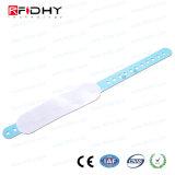 Un braccialetto di uso RFID di volta per la mostra/fiera commerciale