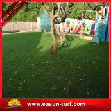 Césped artificial sintetizado del césped de la hierba del paisaje del jardín para el hogar
