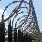 Fio galvanizado mergulhado quente da lâmina do material de construção usado na cerca da beira
