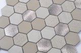 Mezcla de mármol del mosaico del hexágono con el metal
