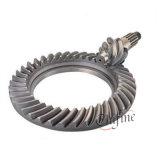 Kronen-Kegelradgetriebe und Zahntrieb-Welle