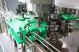 Carbonated машина запечатывания чонсервной банкы напитка заполняя
