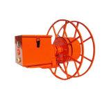 Dispositivo do enrolamento do cabo compreendendo a mola e o carretel de cabo movido a motor