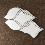 Bellos azulejos de cristal blanco de Carrara blanco por chorro de agua para Wall Mosaic
