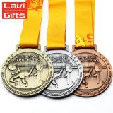 Médaille molle en alliage de zinc en laiton de souvenir en métal de jeux de sport de club du football de coupe du monde de l'émail 3D de logo d'antiquité d'argent fait sur commande bon marché d'or
