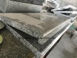 平板またはタイルまたはステップまたは床タイルまたは敷石または階段Windowsののための普及した黒い大理石か花こう岩土台かカウンタートップ