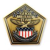 스티커를 가진 금 파 가장자리 해군 기념품 동전