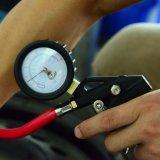 Mesure de gonfleur de pneu de Customic sur le numéro 9602A de poste de promotion