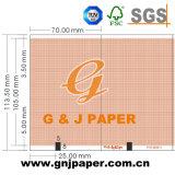 Dossier médical de bonne qualité du papier dans la grille verte et rouge