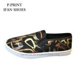 Выскальзование ботинок холстины способа цветастое на вскользь конструкции