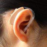 Средний потери слуха используются открытые установите старый человек слуховых аппаратов для наушников