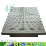 Os painéis do teto de alumínio com painéis perfurado