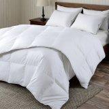Элегантное глянцевое покрытие и одеяло