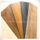 De houten Korrel klikt Tegels van de Vloer van pvc van het Slot de Plastic