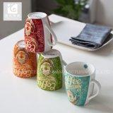Tazas de la porcelana de China de la promoción con insignia de encargo