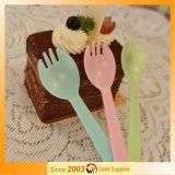 Couverts en plastique réglés de serveur de gâteau de jeu de dîner